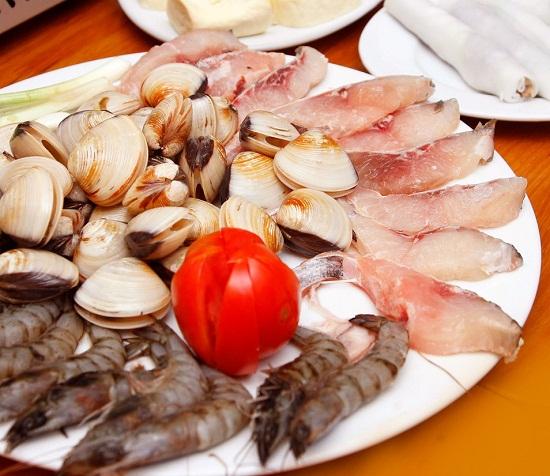 Sơ chế các loại hải sản: tôm, mực, cá, ngao - cách nấu lẩu thái hải sản