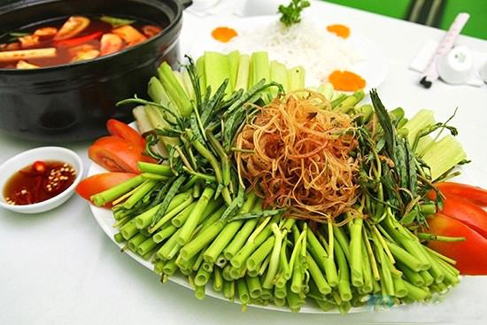 Sơ chế các loại rau ăn cùng lẩu - cách làm lẩu thái hải sản