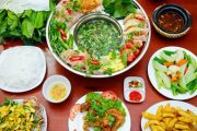 Cách nấu lẩu gà lá giang ngon và chuẩn vị Nam Bộ