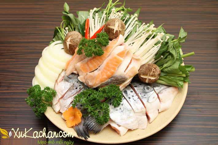 Một số nguyên liệu nấu lẩu cá hồi - cach nau lau ca hoi