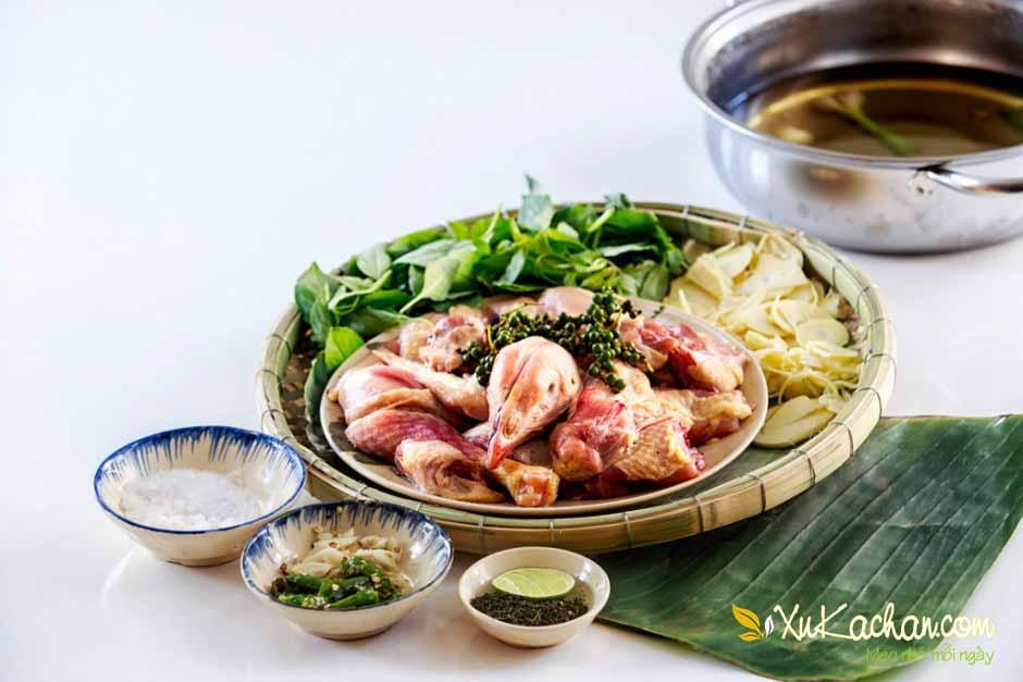 Một số nguyên liệu nấu lẩu gà lá é
