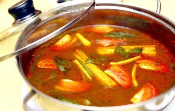 Nấu nước lẩu cá kèo - cách nấu lẩu cá kèo lá giang