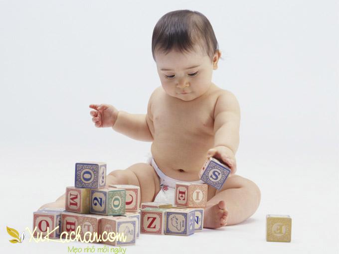 Nuôi trẻ sơ sinh - Trẻ 7 tháng tuổi