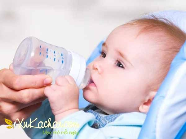 Nuôi trẻ sơ sinh khi trẻ đã được một tháng tuổi
