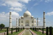 Taj Mahal - Một trong những thắng cảnh nổi tiếng