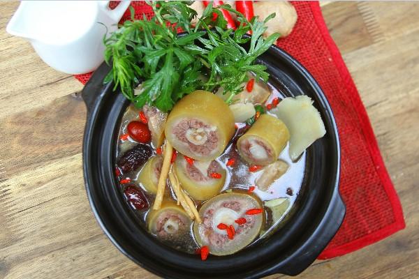 Món lẩu đuôi bò hầm thuốc bắc thơm ngon bổ dưỡng - cách làm lẩu đuôi bò