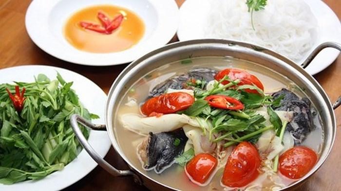 Cách nấu lẩu cá đuối lá giang măng chua ngon nhất