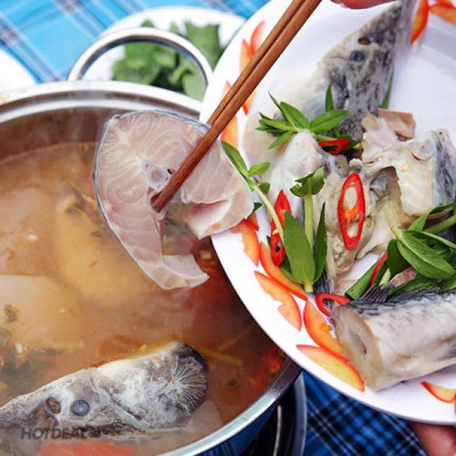 Nấu nước dùng lẩu cá tầm - cách làm lẩu cá tầm