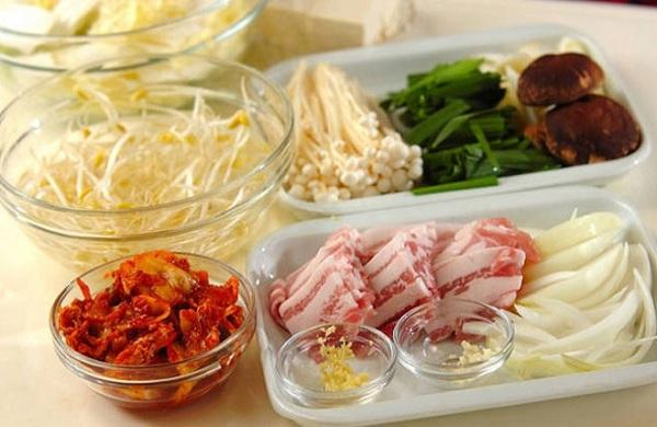 Một số nguyên liệu nấu lẩu kim chi ngon - cách nấu lẩu kim chi hàn quốc