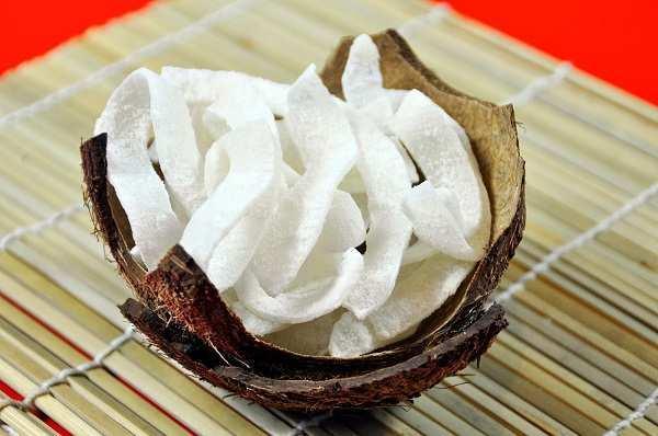 Thành phẩm món mứt dừa sữa tươi vừa trắng vừa thơm ngon - cách làm mứt dừa tại nhà