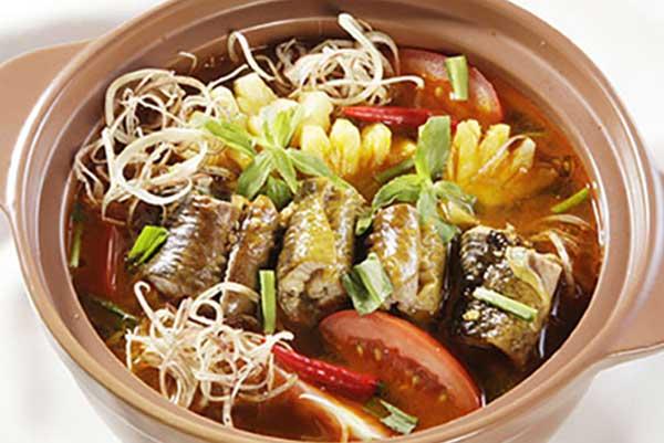 Thành phẩm món lẩu lươn hoa chuối thơm ngon hấp dẫn - cach nau lau luon
