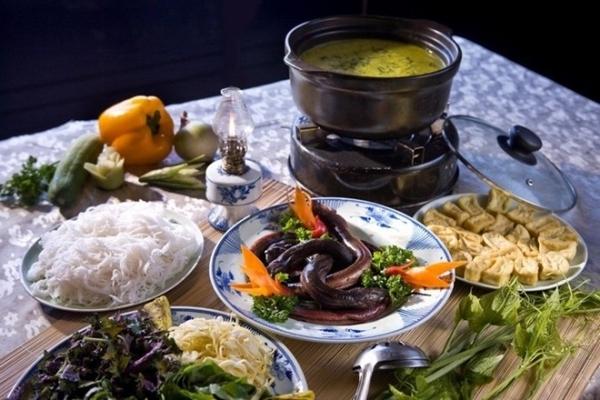 Cách nấu lẩu lươn ngon chuẩn vị miền Tây Nam BộCách nấu lẩu lươn ngon chuẩn vị miền Tây Nam Bộ - cach nau lau luon