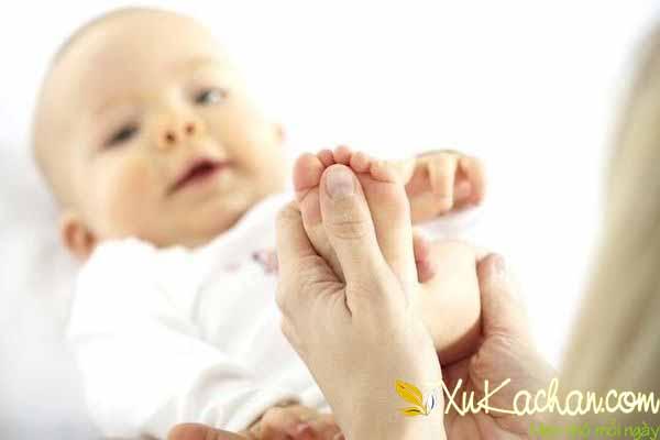 Trị ho cho trẻ sơ sinh bằng cách thoa dầu - cách trị ho cho trẻ sơ sinh 2 tháng tuổi
