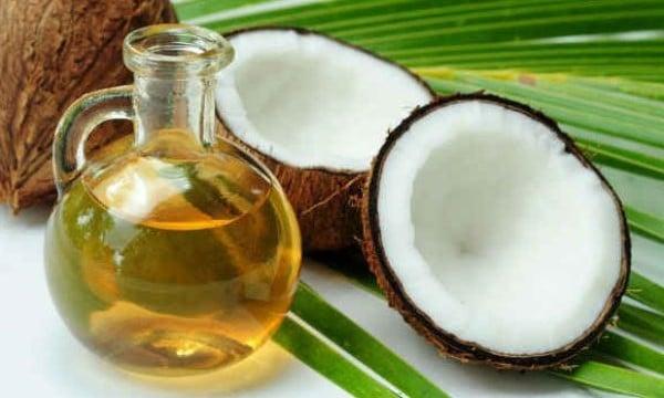 Thành phẩm dầu dừa nguyên chất thu được khi làm theo phương pháp nóng