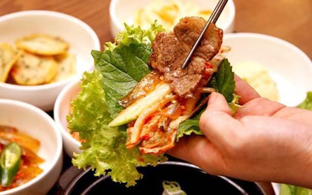 Kim chi ăn kèm với thịt nướng ngon tuyệt hảo - cách làm kim chi hàn quốc truyền thống