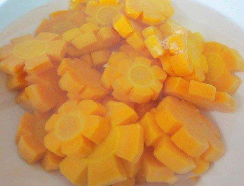 Ngâm cà rốt với nước vôi trong - cach lam mut ca rot