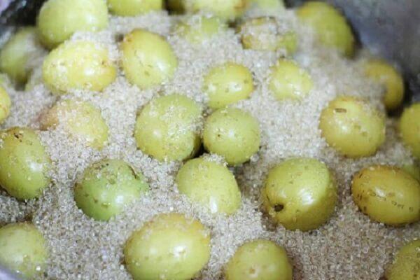Ướp táo với đường - cách làm mứt táo xanh