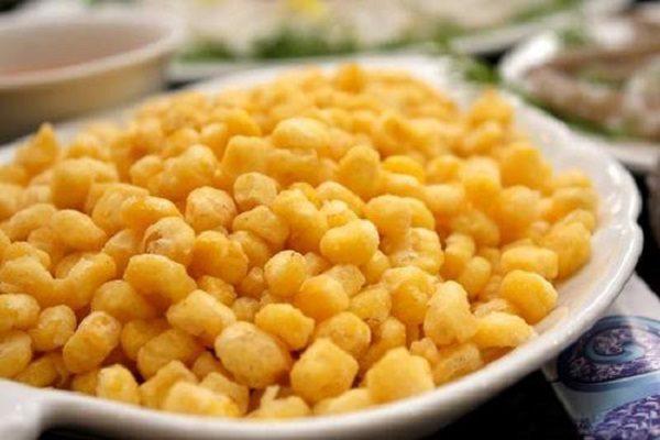 Ngô chiên bơ có màu vàng đậm thơm ngon đẹp mắt - cách làm ngô chiên ngon