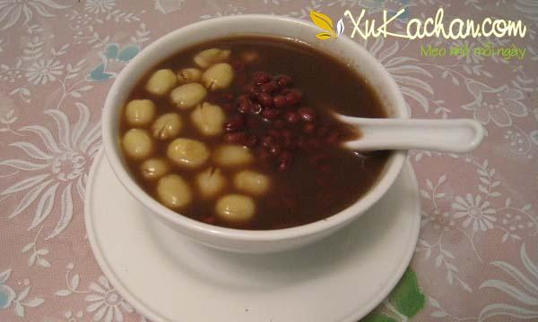 Cách nấu chè hạt sen đậu đen thơm ngon, hấp dẫn - cach nau che hat sen dau den
