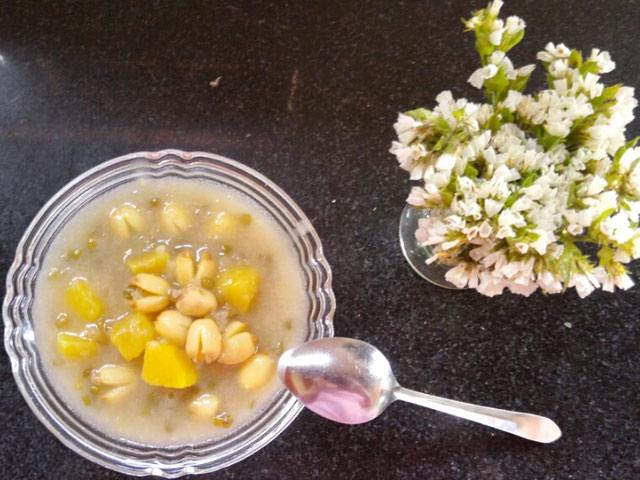 Cách nấu chè bí đỏ hạt sen