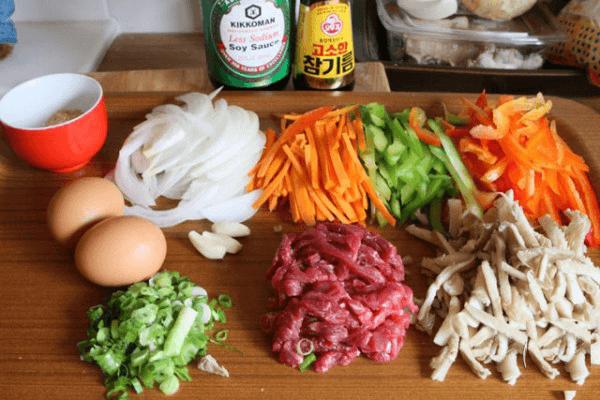 Một số nguyên liệu làm cơm trộn Hàn Quốc cần chuẩn bị