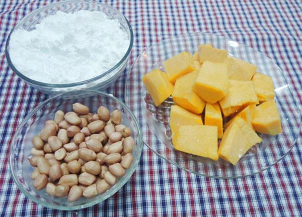 Một số nguyên liệu nấu chè bí đỏ đậu phộng cần chuẩn bị