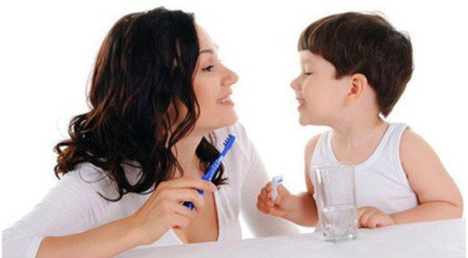 Dạy trẻ đánh răng đúng cách