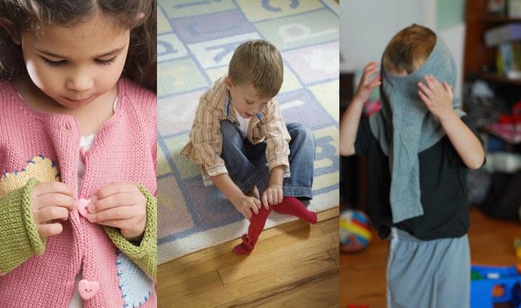 Dạy trẻ tự mặc quần áo