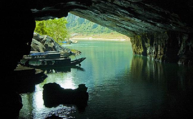 Sông ngầm của động Phong Nha