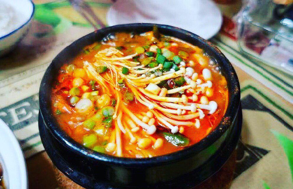 Món canh kim chi chay Hàn Quốc