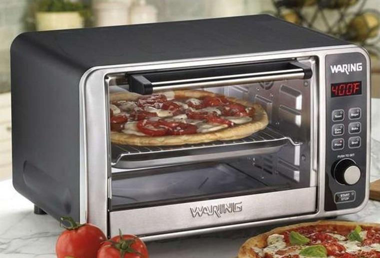 Nướng Pizza ở nhiệt độ 400 độ C trong khoảng 10 phút