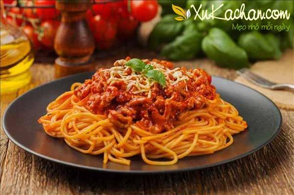 Cách làm mỳ ý sốt cà chua bò bằm ngon và chuẩn - cach lam my y