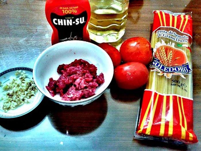 Một số nguyên liệu nấu mì ý sốt cà chua bò băm ngon