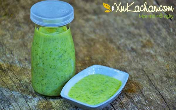 Bảo quản muối ớt xanh trong lọ thủy tinh đậy nắp kín - công thức làm muối ớt xanh