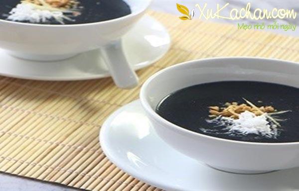 Thành phẩm món chè mè đen dừa thơm ngon hấp dẫn - cach nau che me den
