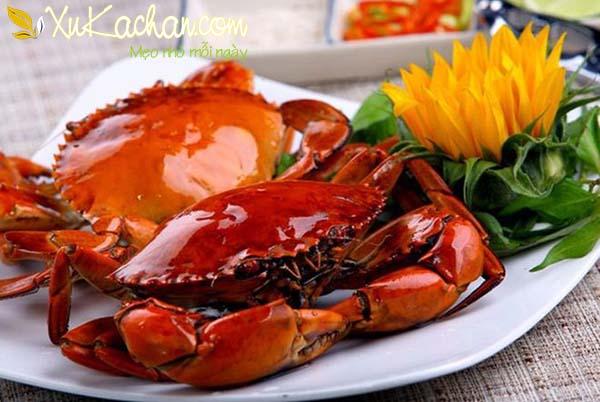 Cua biển luộc thơm ngon, chắc thịt, không bị rụng càng