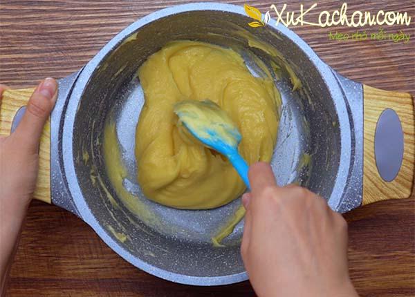 Làm phần nhân kem trứng - cách lam bánh su kem nhân kem trứng