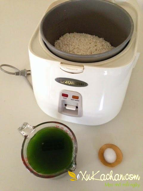 Nấu xôi lá dứa bằng nồi cơm điện - cách nấu xôi lá dứa bằng nồi cơm điện