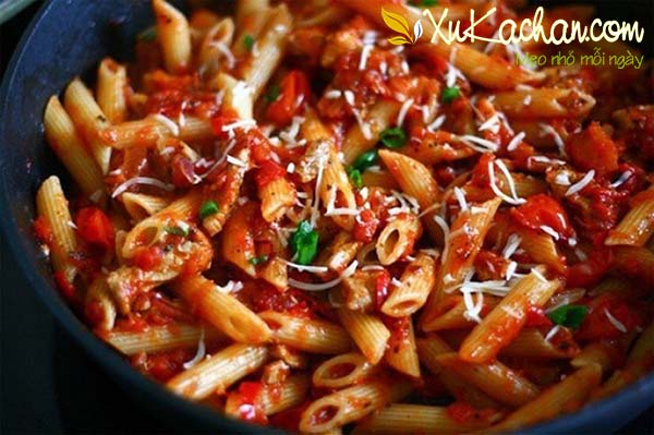 Xào nui với thịt bò bằm sốt cà chua - cách làm nui xào bò sốt cà chua