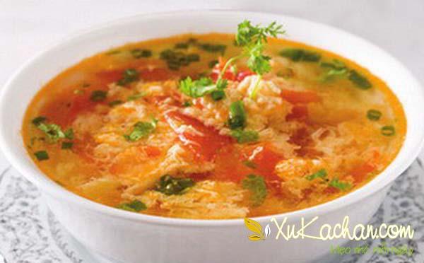 Món canh trứng gà cà chua - cach nau canh trung