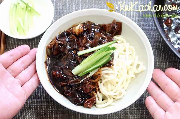Mì tương đen Hàn Quốc ngon chuẩn vị - ăn mì tương đen