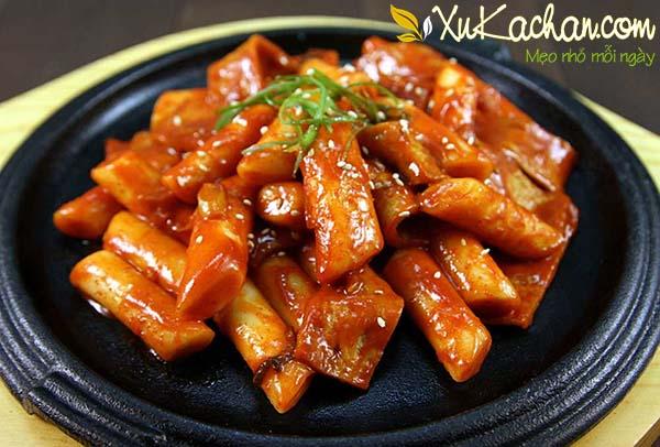 Bánh gạo cay Hàn Quốc ngon đúng chuẩn - cach lam banh gao cay Han Quoc