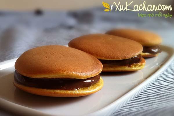 Bánh rán Doremon nhân chocolate - cách làm bánh rán Doremon nhân chocolate