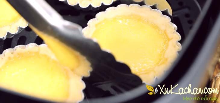 Bánh tart trứng sau khi đã được hấp chín xong