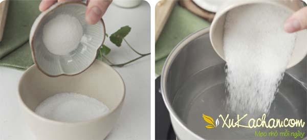 Trộn rau câu với đường, sau đó đem nấu với nước dừa