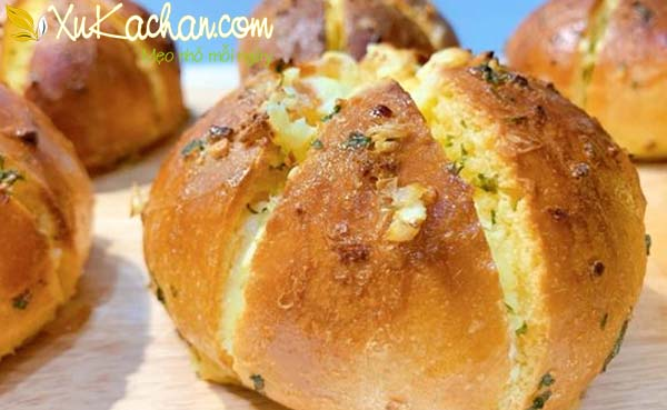 Bánh mì phô mai bơ tỏi Hàn Quốc thơm ngon chuẩn vị
