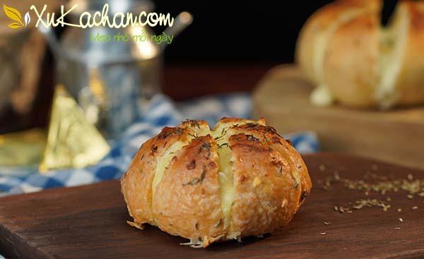 Thành phẩm món bánh mì phô mai bơ tỏi có được