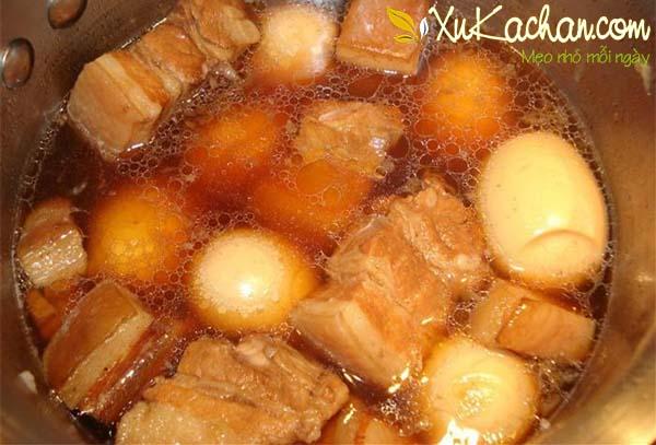 Nấu thịt kho tàu - cách nấu thịt kho tàu ngon