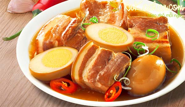 Thịt kho tàu mềm ngon đậm vị